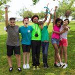 freudige Kindergruppe